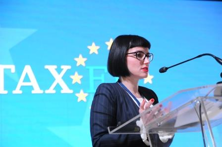 Anca Grigorescu talks about the delimitation of independent activities from dependent activities at TaxEU Forum
