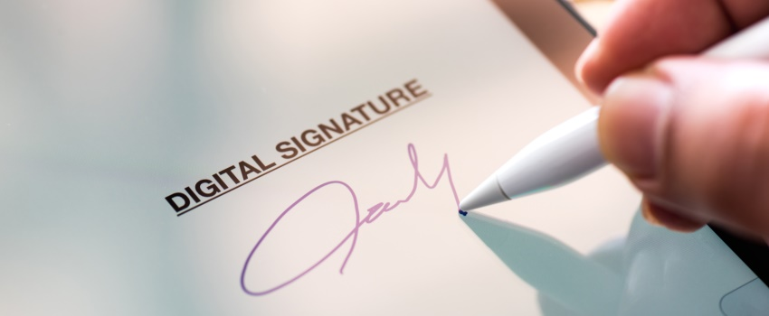 The electronic signature: long-distance (commercial) relationships